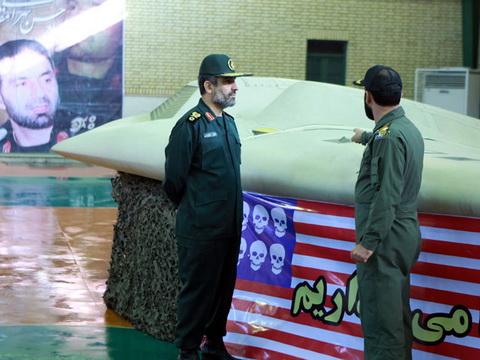 Иран не вернет США сбитый беспилотник