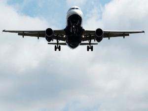 Самолет Ту-134 совершил жесткую посадку в Киргизии Фото: REUTERS