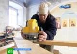 Монах реставрирует церковь в селе Анциферово Красноярского края. Кадр НТВ