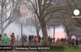 Протест против сокращения рабочих мест в Страсбурге. Кадр Euronews