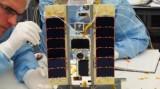 Сборка спутника STRaND-1