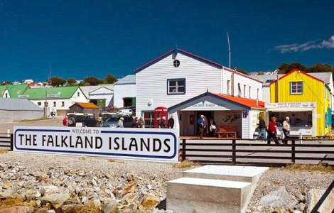 """Надпись """"Добро пожаловать на Фолклендские острова"""". Фото: reports.travel.ru"""
