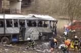 Автобус с российскими школьниками упал с моста в Бельгии. Кадр pravda.ru
