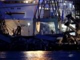 Корабль врезался в портовые сооружения в Генуе, Италия. Кадр NTDTV