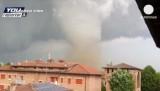 Торнадо в Италии. Кадр youreporter.it / Euronews