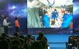 Урок физики в космосе провели китайские космонавты. Кадр Euronews