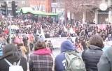 Чилийские студенты разбушевались не на шутку. Кадр Euronews
