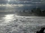 Гигантские волны на побережье Чили. Кадр Euronews