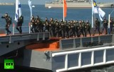 Военные ныряльщики на дне военно-морского флота в Севастополе. Кадр RT