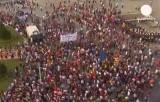 Акция в поддержку курдов на площади Таксим в Стамбуле. Кадр Euronews