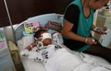 Ребёнку в Китае преступники вырезали глаза. Фото: CNN