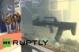 Автомат-амфибия на выставке Интерполитех-2013 в Москве. Кадр RT RUPTLY