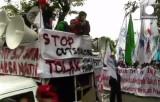 Общенациональная забастовка в Индонезии. Кадр Euronews