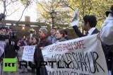 Нью-Йоркские студенты против работников спецслужб. Кадр RT RUPTLY