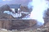 Уничтожение полицейскими нелегальной золотой шахты в Перу. Кадр NTDTV