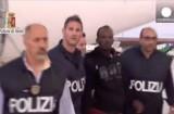 Организаторы нелегальных рейсов на Лампедузу пойманы. Кадр Euronews