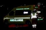 Скорая помощь увозит пострадавших при нападении на автобус в Норвегии. Кадр NTDTV