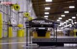 Беспилотник Amazon забирает посылку с конвейера. Кадр LifeNews