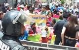 Дети требуют разрешить им работать на митинге в Боливии. Кадр NTDTV