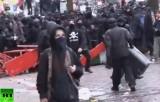 Уличные беспорядки в Гамбурге. Кадр RT