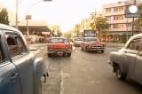 Старые автомобили на улицах Гаваны, Куба. Кадр Euronews