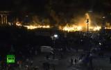 Горящая баррикада на улице Грушевского в Киеве. Кадр RT