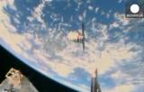 Грузовой космический корабль США Cygnus рядом с МКС. Кадр Euronews