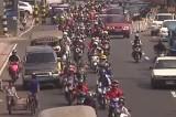 Мотоциклисты на Филиппинах. Кадр NTDTV