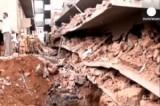 Обломки рухнувшего здания в городе Канакона, Индия. Кадр Euronews