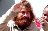 Хосе Сальвадор Альваренга после 13 месяцев в Тихом океане. Кадр NTDTV