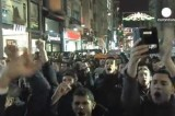 В Стамбуле протестуют против закона о регулировании интернета. Кадр Euronews