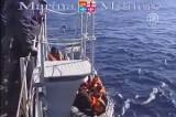 Нелегальные мигранты у берегов Сицилии. Кадр NTDTV