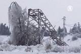 Сломанные ледяным дождём опоры ЛЭП в Словении. Кадр NTDTV