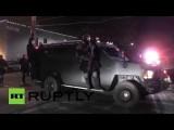 Жители Фергюсона протестуют вторую ночь подряд