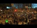 Протестующие в Гонконге попытались заблокировать правительственный квартал