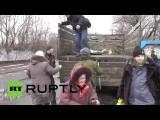 Жителей Углегорска эвакуировали из зоны боевых действий